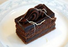 Prăjitură Alcazar, am făcut-o pentru prima dată după reteta unei prietene. Este un dulce foarte finut si bun