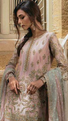 Pakistani Dresses Online, Pakistani Wedding Outfits, Pakistani Bridal Wear, Pakistani Dress Design, Indian Dresses, Indian Suits, Punjabi Suits, Bridal Lehenga, Indian Wear