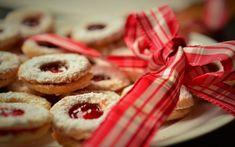 Nejlepší LC vánoční cukroví? 12 druhů, po kterých se zapráší! - Magazín - Jídelní plán Doughnut, Low Carb, Keto, Cookies, Desserts, Food, Crack Crackers, Tailgate Desserts, Deserts