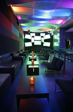 Karu & Y Restaurant, Nightclub and Lounge in Miami...love the lighting.