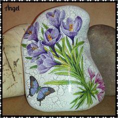 153 отметок «Нравится», 6 комментариев — Ángel Martínez García  (@angel_mg0127) в Instagram: «Piedra/decoupage papel arroz  #manualidades #hechoamano #piedra #amapola #craft #hand_made…»