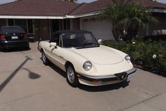 Selling my 1983 Alfa Romeo Spider Veloce. The car runs great. Super 4, Alfa Romeo Spider, Alfa Romeo Cars, Bulletin Board, Cars And Motorcycles, Bike, Spiders, Vehicles, Bicycle