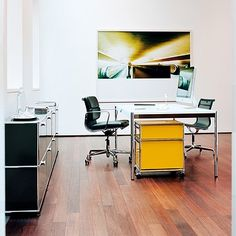 USM working essentials, USM mobile pedestal in golden yellow, USM Haller table with white surface