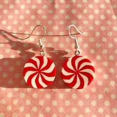 Cute peppermint candy earrings Twisted fimo Choice of silver plated fastening Great for the festive period! Diy Clay Earrings, Funky Earrings, Polymer Clay Jewelry, Weird Jewelry, Funky Jewelry, Cute Jewelry, Peppermint Candy, Schmuck Design, Clay Charms