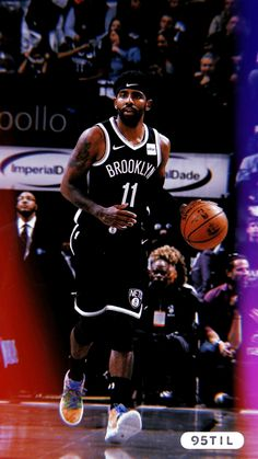 Kyrie Irving dribbles the ball up the court Irving Wallpapers, Nba Wallpapers, Basketball Is Life, Basketball Players, Kyrie Irving Celtics, Lebron James Wallpapers, Kobe Bryant Pictures, Nba Pictures, Kyrie 3