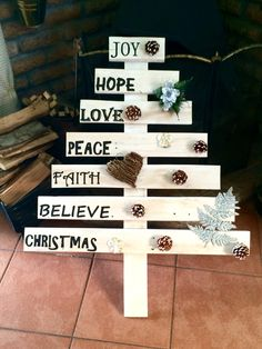 Tree with writing and decorations -R500