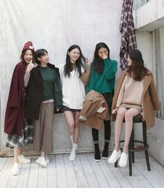 The outfit on the far right Mode Ulzzang, Ulzzang Girl, Fashion Group, Girl Fashion, Fashion Outfits, Korea Fashion, Asian Fashion, Ullzang Boys, Girls