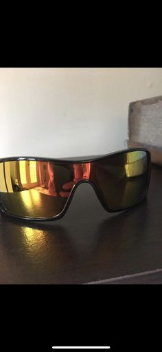 ae1cd7f7eb This classic Oakley look is made for the active lifestyle. The Bottle  Rocket features the best polarized lens technology in a sports semi rimless  design.
