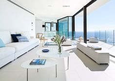 Barcelona-based firm Anna Podio arquitectura has recently completed this modern and sleek house on Spain's Costa Brava. Interior Design Color Schemes, Modern Interior Design, Design Trends, Design Ideas, Painted Dining Chairs, Interior Minimalista, Light Grey Walls, Bedroom Colors, Innovation Design