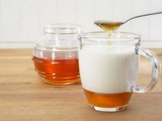 Hot Milk And Honey - Mix together a warm glass of milk and stir in some honey. Drink this slowly and be prepared to have a cough-free night. In addition to the soothing, warm milk will also help you to sleep. Insomnia Home Remedies Honey Insomnia Remedies, Sleep Remedies, Cough Remedies, Health Remedies, Home Remedies For Sleep, Detox, Natural Sleeping Pills, How To Stop Coughing, Drinks Before Bed