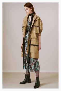 http://www.vogue.com/fashion-shows/pre-fall-2017/markus-lupfer/slideshow/collection