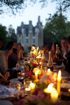 Autumn al fresco dinner party lit by candlelight and warmed with good conversation. Outdoor Dinner Parties, Garden Parties, Outdoor Entertaining, Plum Pretty Sugar, Festa Party, Weekend Plans, Outdoor Dining, Outdoor Spaces, Party Planning