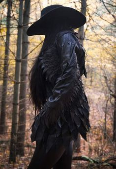Look Raven jacket by ToxicVision ToxicVisions shop -Nonbinarycorvid: a Look Raven jacket by ToxicVision ToxicVisions shop - katie's shit box (Visita il nostro sito ) Sharon Ehman ( Crazy Cat Lady, Crazy Cats, Eileen The Crow, Sharon Ehman, Baby Crows, Toxic Vision, Gothic Girls, Bald Eagle, Scary