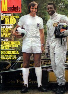 """Emerson Fittipaldi & Edson Arantes Do Nascimento """"Pelé"""" : O encontro dos reis (1972). Papéis trocados! Emerson com a bola e Pelé com o capacete."""
