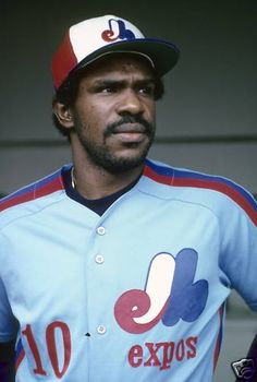 CIRCA Outfielder Andre Dawson of the Montreal Expos looks out on to the field from the dougout before a mid circa Major League Baseball. Cubs Baseball, Baseball Games, Sports Baseball, Baseball Players, Mlb Players, Baseball Stuff, Baseball Photos, American Athletes, Cubs Fan