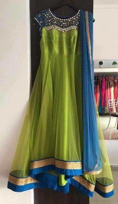 Orange Things orange k sath combination Long Dress Design, Dress Neck Designs, Long Gown Dress, Saree Dress, Long Dresses, Lehenga Designs, Saree Blouse Designs, Saris, Mode Bollywood