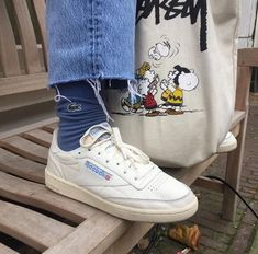 Streetwear Inspo - Album on Imgu 90s Sneakers, 90s Shoes, Hype Shoes, Sock Shoes, Look Fashion, 90s Fashion, Fashion Tips, Aesthetic Shoes, Urban Aesthetic