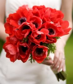 red anemone bouquet #wedding #favors www.BlueRainbowDesign.com