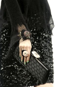 CoCo is Haute - tresaiden: Chanel Fall/Winter Fashion Details, Look Fashion, Womens Fashion, Couture Details, Karl Lagerfeld, Gabrielle Bonheur Chanel, Mode Chanel, Use E Abuse, Chanel Couture