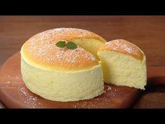 Vláčný a jemný jogurtový piškot podle japonského receptu se stal hitem: Takovou lahůdku jste v životě nejedli, k tomu se ani nedá nic přirovnat! Cake Cookies, Cupcake Cakes, Cheesecake Recipes, Dessert Recipes, Eggless Sponge Cake, Yogurt Cake, Cake Ingredients, Let Them Eat Cake, Delicious Desserts