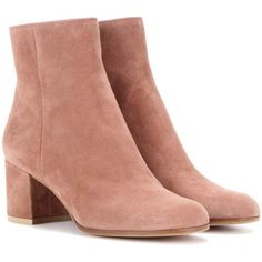 Gianvito Rossi Margaux Mid Suede Ankle Boots (636.425 CLP) ❤ liked on Polyvore featuring shoes, boots, ankle booties, ankle boots, gianvito rossi, pink, pink suede boots, suede bootie, suede leather boots and bootie boots