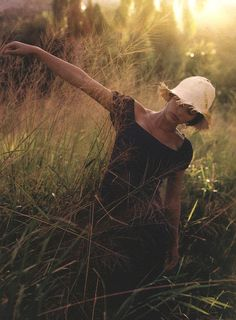 """""The Bare Necessities"", ELLE US, April 1998 Photographer: Gilles Bensimon Model: Laetitia Casta "" Laetitia Casta, Elle Us, Field Of Dreams, Portraits, Belle Photo, Charles Bukowski, Daydream, Bunt, The Dreamers"