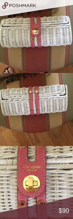 Kate spade clutch White Kate spade straw clutch in a excellent condition Bags Clutches & Wristlets