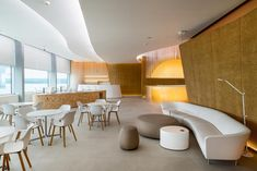 The new VIP lounge at the Platov airport features an Italian touch - News - Frameweb Lobby Lounge, Hotel Lounge, Hotel Interiors, Office Interiors, Kitchen Benchtops, Airport Lounge, Lobby Interior, Lounge Design, Interior Decorating