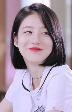 a teen do hana Ulzzang Short Hair, Korean Short Hair, Ulzzang Girl, Korean Girl, Bob Hairstyles, Straight Hairstyles, Teen Web, Medium Hair Styles, Short Hair Styles