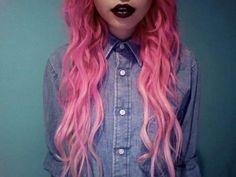 Image via We Heart It https://weheartit.com/entry/148248062 #blacklips #color #fashion #girl #girls #goth #grunge #pink #pinkhair #style #tumblr #tumblrgirl #розовыеволосы #pastelgoth #цветныеволосы