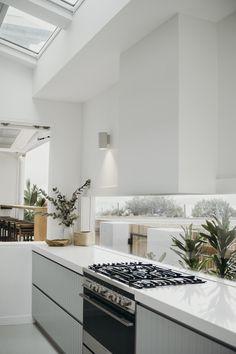Modern Kitchen Interior Minimalist kitchen with panelled cabinetry Kitchen Interior, Home Decor Kitchen, Kitchen Benchtops, Home Remodeling, Cheap Home Decor, House Interior, Home Kitchens, Kitchen Style, Kitchen Design