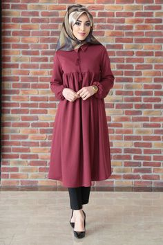 - Burgundy Tunic with Ruffled Sleeves - New In Tops Modest Fashion Hijab, Hijab Style Dress, Hijab Chic, Abaya Fashion, Fashion Dresses, Islamic Fashion, Muslim Fashion, Moda Hijab, Abaya Mode