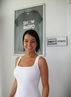 Bengü, 6 Temmuz Salı günü saat 14.00' te Show Radyo'da Hakan Demir'in konuğu oldu.