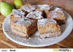Výborné hruškové řezy   Těsto: 450 g mouky 200 g másla nebo Hery 4 lžíce cukru 1 prášek do pečiva 5 lžic mléka 1 vejce špetku soli Náplň: 600 g očištěných a na kousky nakrájených hrušek 150 ml zakysané smetany 2 vejce asi 3 lžíce cukru (podle chuti) 1 vanilkový cukr 1 lžičku skořice špetku mletého hřebíčku Sweet Recipes, Banana Bread, French Toast, Cooking, Breakfast, Kitchen, Morning Coffee, Brewing, Cuisine
