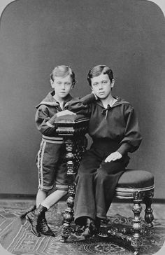 Николай II  и Георг V в детстве.   Фото: historicplay.livejournal.com.