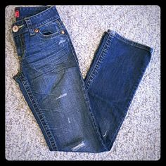 """Aeropostale skinny boot cut Distressed blue jeans. Great condition.  25"""" waist 34"""" hips 7"""" front rise Zipper 2.5"""" 31"""" inseam Aeropostale Jeans"""