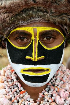 Oceania - Papua New Guinea / Bodypaint  natives body paint   May 2014