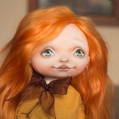 Преображаемся потихоньку  Tanya-K  #doll #doll_in_home #homedecor #handmade #handmadedoll #textiledoll #fabricdoll #interiordoll #кукла #кукларучнойработы #текстильнаякукла #куклаизткани #ручнаяработа #интерьернаякукла #red #рыжая