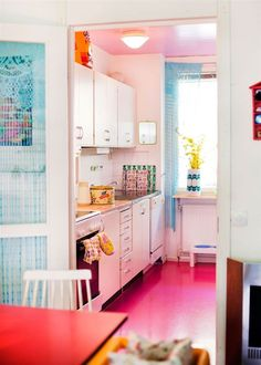 Dear hot pink kitchen floor, we are obsessed with you.