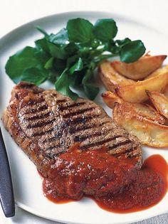 Μπριζόλες μοσχαρίσιες με σάλτσα πιπεριάς - www.olivemagazine.gr Sauce Au Poivre, Recipe For Success, Pleasing Everyone, Gf Recipes, Mediterranean Recipes, No Cook Meals, Easy Meals, Sweets, Beef