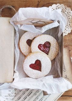 These teardrop-shaped Almond Linzer Cookies are eye-catching, beautiful, and delicious!Makes about 3 dozen sandwich cookies. Christmas Treats, Christmas Baking, Christmas Cookies, Christmas Pudding, Christmas Decor, Heart Shaped Cookies, Heart Cookies, Valentine Cookies, Be My Valentine