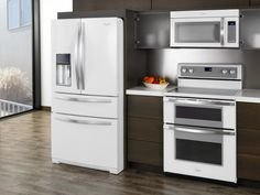 White is back — but it doesn't mean you have to revisit the 1980s (whew). The modern take on white appliances is all about high-tech surfaces and innovative design touches. For example, Ice Collection appliances from Whirlpool have a glossy finish inspired by smartphones and include stainless steel handles for a fresh, clean look.