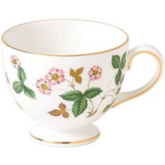Wedgwood Wild Strawberry Leigh Tea Cup (790 ARS) ❤ liked on Polyvore featuring home, kitchen & dining, drinkware, wedgwood tea cups, strawberry tea cup, wedgwood, strawberry teacup and wedgwood teacup