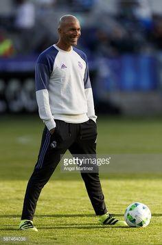 Valencia CF players presentation Anthem jacket 2017 Adidas
