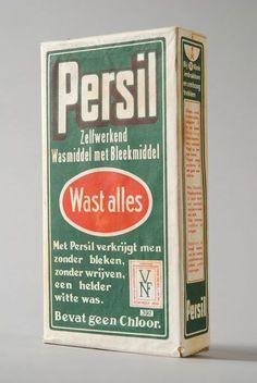 """Pak wasmiddel met """"Persil"""", """"wast alles"""" en """"VNF"""""""