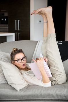 Katie Cassidy // Warby Parker Glasses // Daniela Corte Pants // Alexa Chung Book // What Katie Wore // Tomboy KC