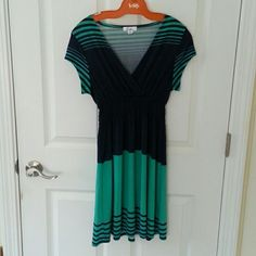 5th & Love poly/spandex dress. Short - sleeved,  elastic waist dress.  Navy and light teal,  ridiculously soft and comfy.  Some tiny pulls (too small to photograph) and general wear from washing,  only worn a handful of times. 5th &Love Dresses Midi