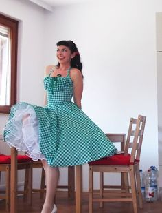 Pinup dress 'Lollipop dress in green and white gingham' full circle skirt gathered bust rockabilly dress, gingham dress 50s, very rockabilly