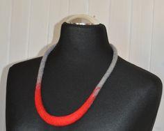 naszyjnik z filcu czerwony szary - JustKa313 - Naszyjniki średnie