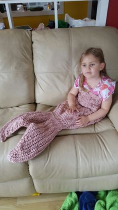 Mermaid tail Lapghan - pattern from Crochet by Jennifer